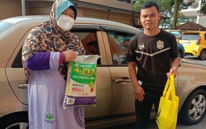 Pertubuhan Mualaf Malaysia Serah Bantuan Makanan Buat Asnaf PERKIM