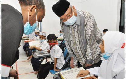 Tan Sri Bendahari Kehormat melawat Pusat Pendidikan Muhajirin Rohingya PERKIM